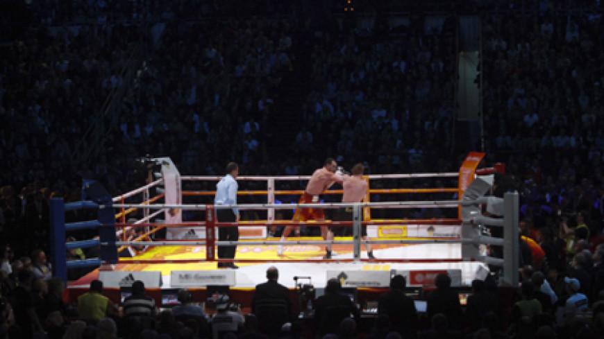 Боксер Ковалев отстоял три чемпионских пояса
