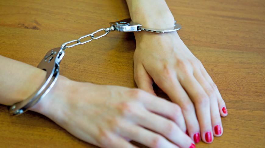 Полиция поймала в Москве снимавшую «порчу» с золота целительницу