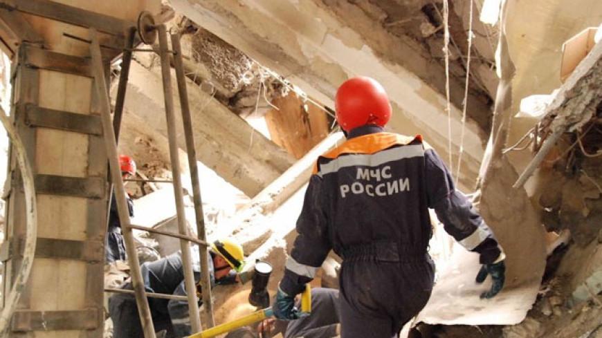 Разрушенный взрывом дом в Волгограде полностью снесут