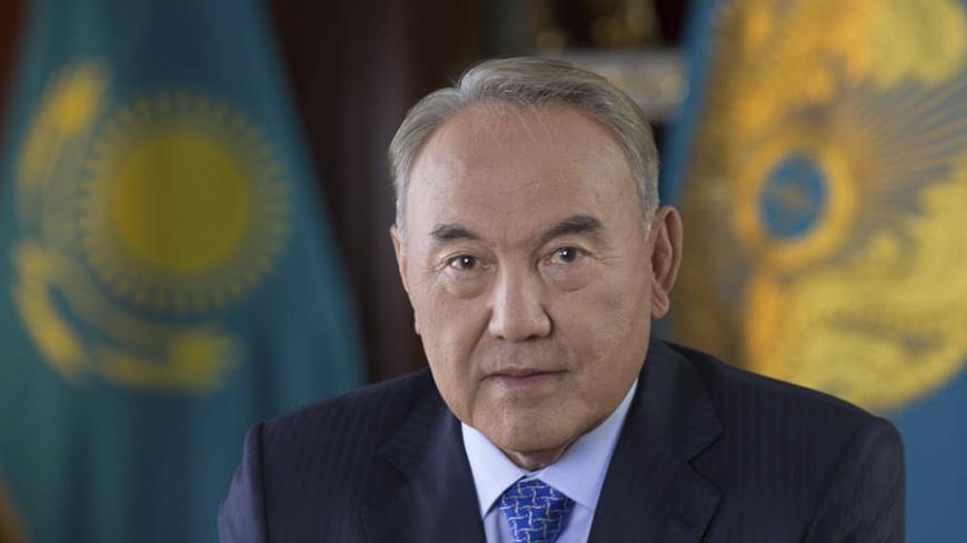 Назарбаев напомнил Олланду о готовности Москвы к диалогу