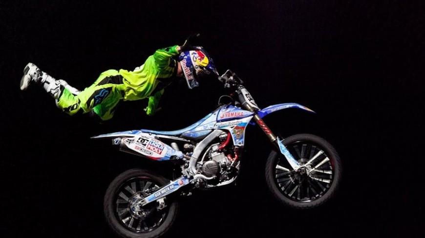 На шоу Nitro Circus Live показали экстремальные трюки на мотоциклах и скутерах