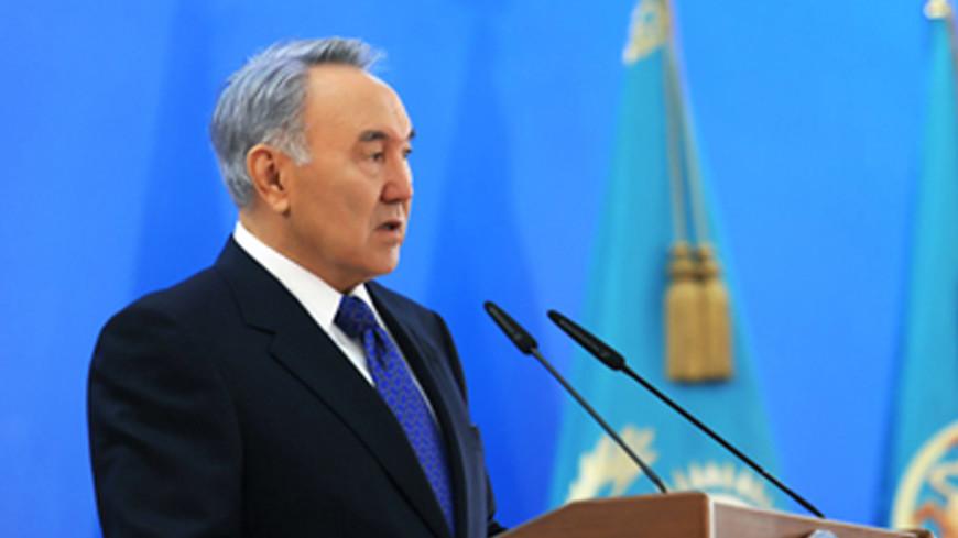 Назарбаев: Политики должны остановить вакханалию на Украине
