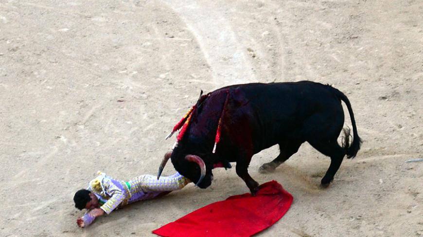 Кровавый забег быков в Испании: у 14 туристов травмы