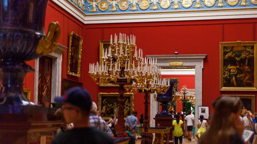 Выставка часового искусства удивила посетителей Эрмитажа