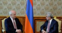 Саргсян обсудил с Лебедевым работу наблюдателей на выборах