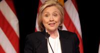 Переписка Клинтон с личного сервера привлекла внимание ФБР