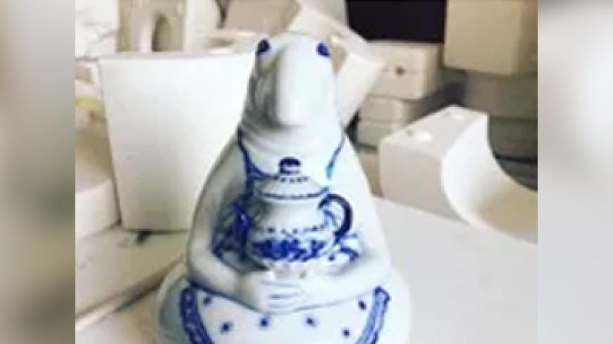 Теперь в керамике: Гжель выпустил фигурки Ждуна