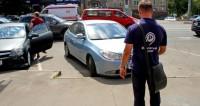 В Москве увеличится число проверяющих парковки пеших инспекторов