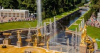Праздник фонтанов в Петергофе: хождение за три моря в трех стихиях