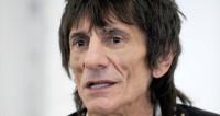 Гитарист Rolling Stones признался, что у него рак