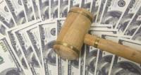 Канье Уэст подал иск на $10 миллионов против страховой компании