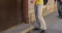 Слепой пенсионер из Узбекистана скитается по Подмосковью