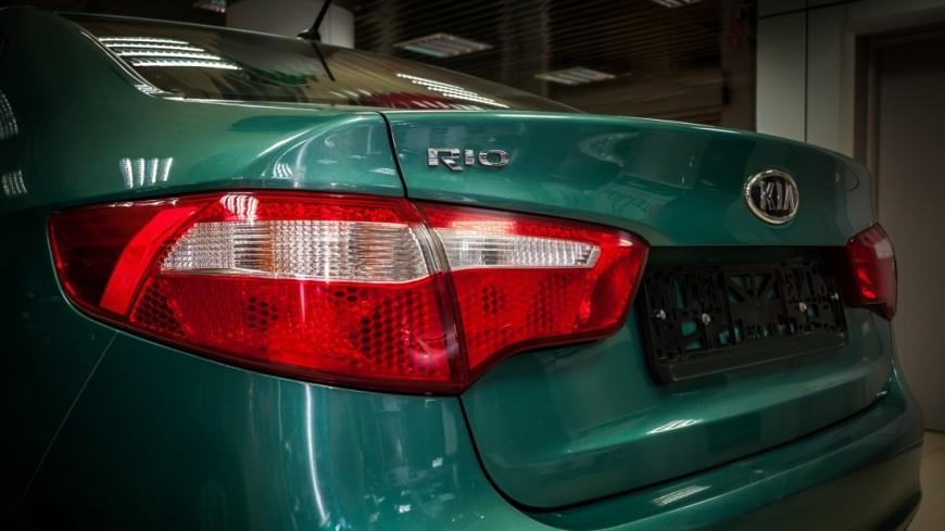 Названа тройка самых продаваемых авто в России