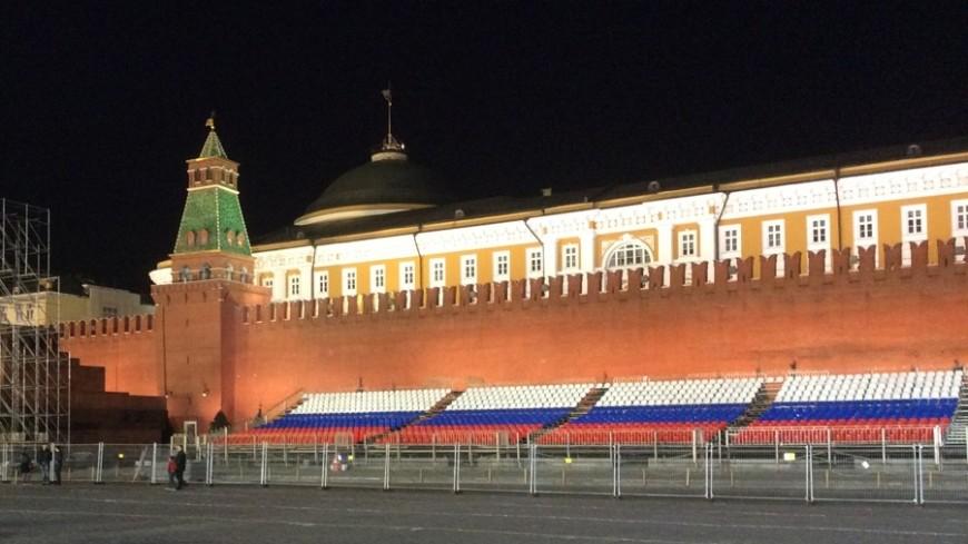 Развод караулов в Кремле приостановят на время фестиваля «Спасская башня»
