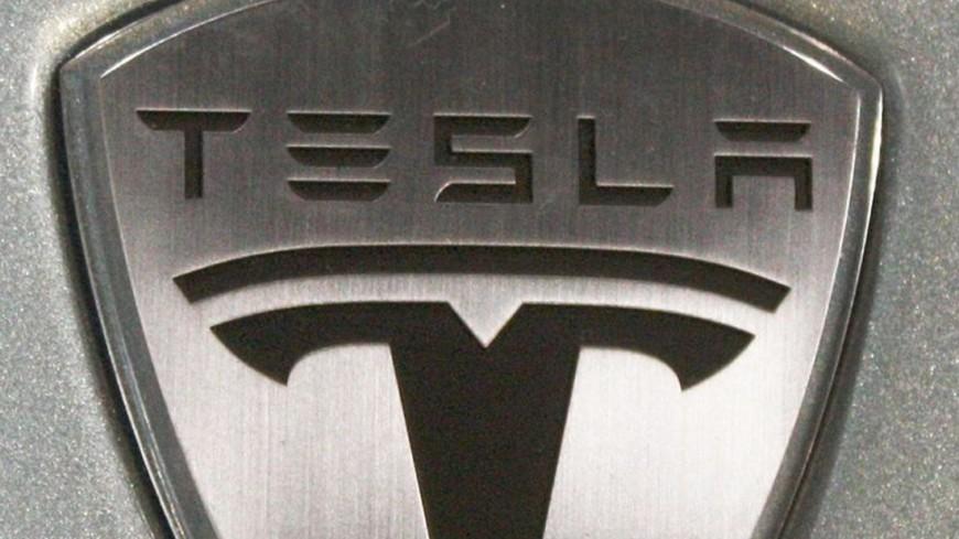 Клиенты начали массово отказываться отTesla Model 3