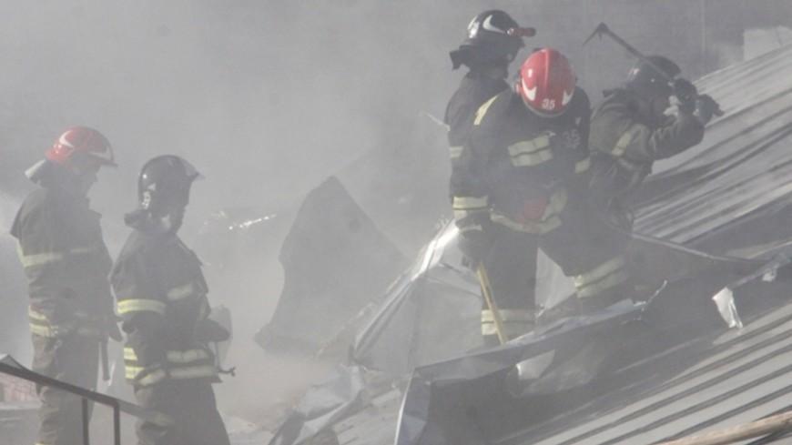 """Фото: """"МЧС России"""":http://www.mchs.gov.ru/ (автор не указан), дым, пожар, пожарные"""