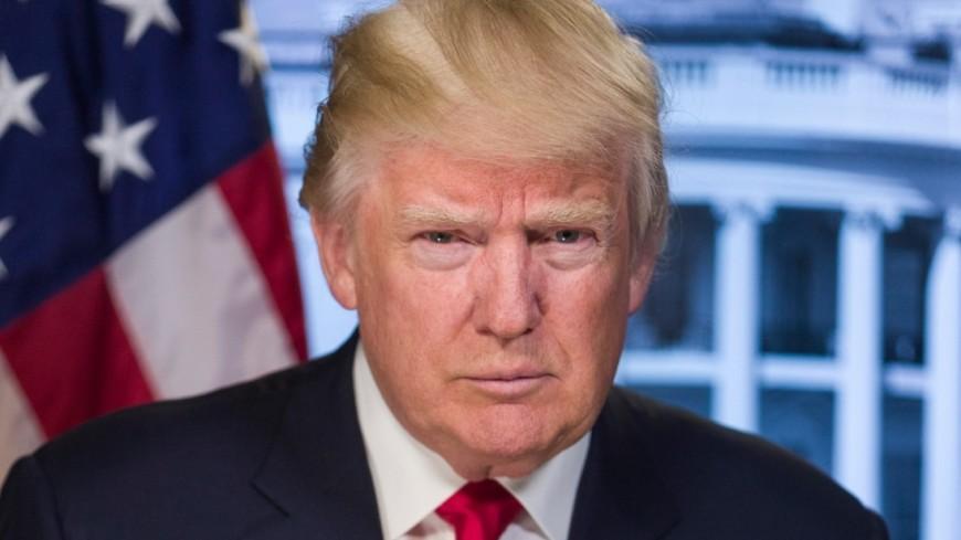 Опрос показал падение рейтинга поддержки Трампа доминимума