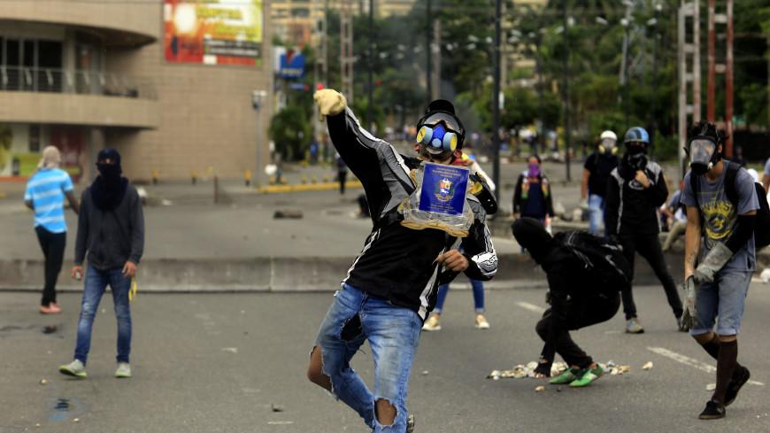 В Кремле призвали бунтующих венесуэльцев к спокойствию
