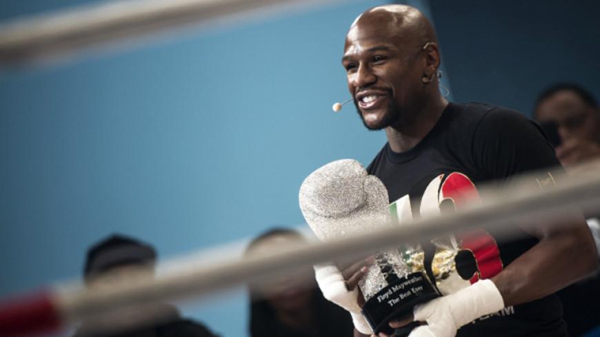 Мейвезер объявил об уходе из бокса