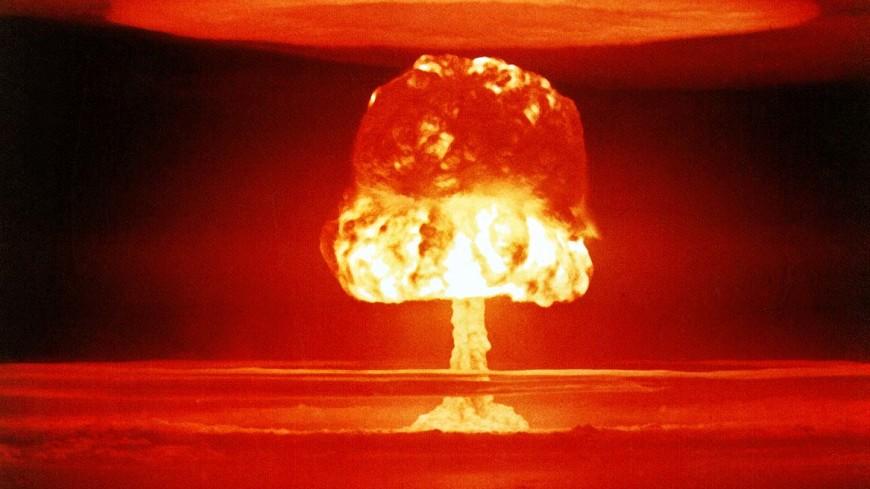 США в августе дважды испытали новейшую атомную бомбу