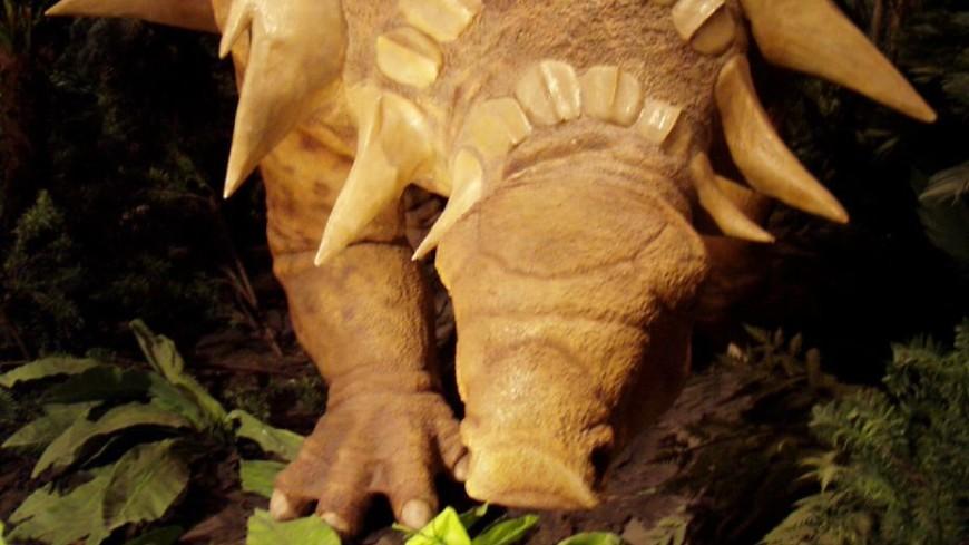 Найдена «броня» неуязвимого динозавра-танка