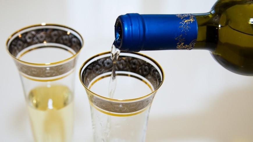 Нередкое употребление алкоголя понижает риск появления слабоумия— Исследование