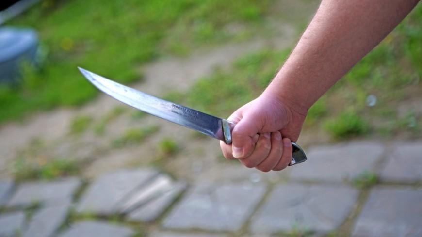 Неизвестный ножом порезал шестерых прохожих