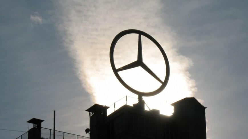 Интрига за интригой: Mercedes выложил в Сеть видеотизер нового CLS