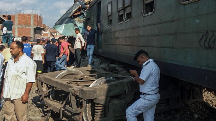 Египетский чиновник умер, увидев тела жертв крушения двух поездов
