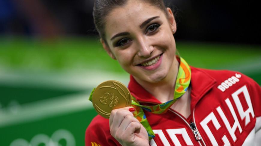 Гимнастка Мустафина вернулась в спорт после рождения дочери