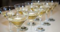 Цена вкуса: сколько стоит самое дорогое и дешевое игристое вино в России и странах СНГ