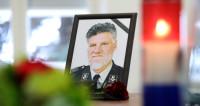 Смерть генерала на миру: к Гааге вопросов больше, чем ответов