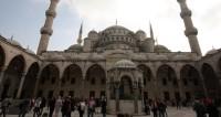 Турецким мужчинам запретили красить волосы в черный цвет