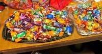 Диетолог: Дешевые конфеты очень вредны для детей
