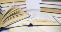 Названы самые продаваемые книги в России в 2017 году