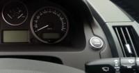 Владельцы машин с правым рулем в Армении провели автопробег протеста