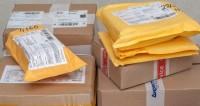 Летающие посылки: на Камчатке самолет разбросал почту на полосе