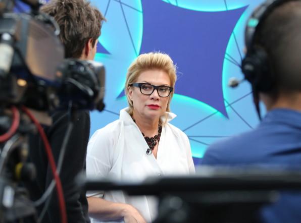 «Во весь голос»: Лина Арифулина дает советы каждому участнику шоу