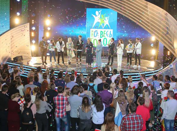Все только начинается: участники шоу «Во весь голос» дали последний концерт