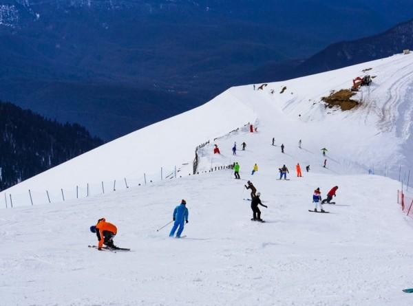 Километры новых трасс: в Сочи открыли горнолыжный сезон
