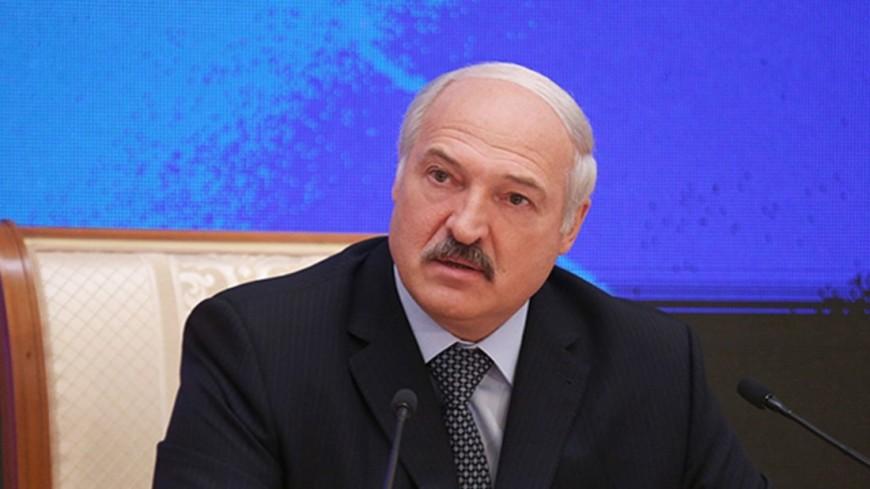 Лукашенко насовещании спросил, почему табак нехотят торговать вЕС