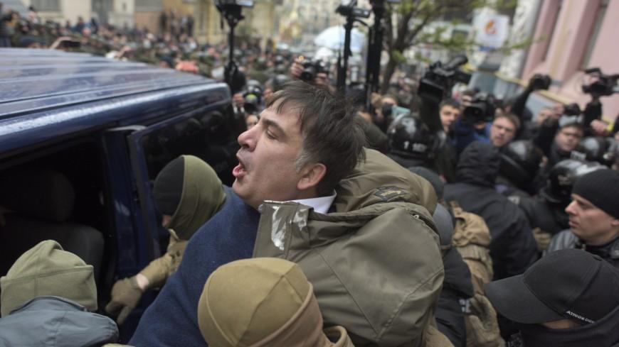 Сторонники Саакашвили отбили политика у силовиков