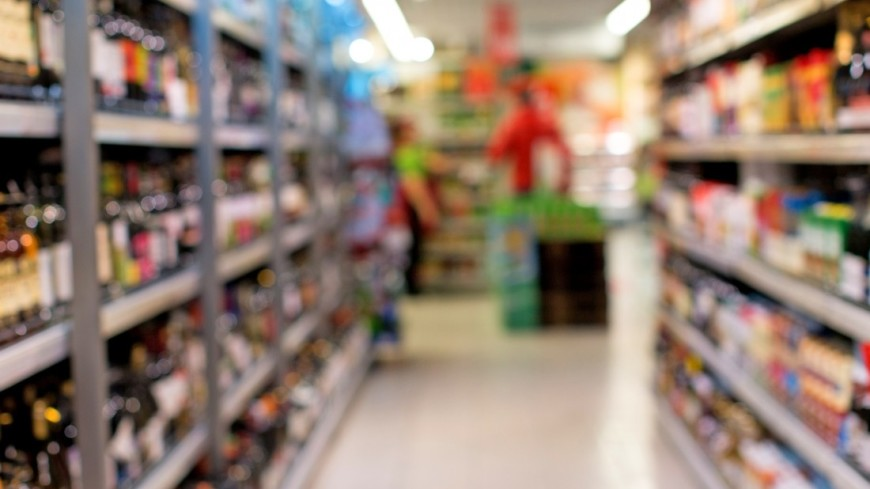 В петербургском супермаркете охранник избил покупательницу