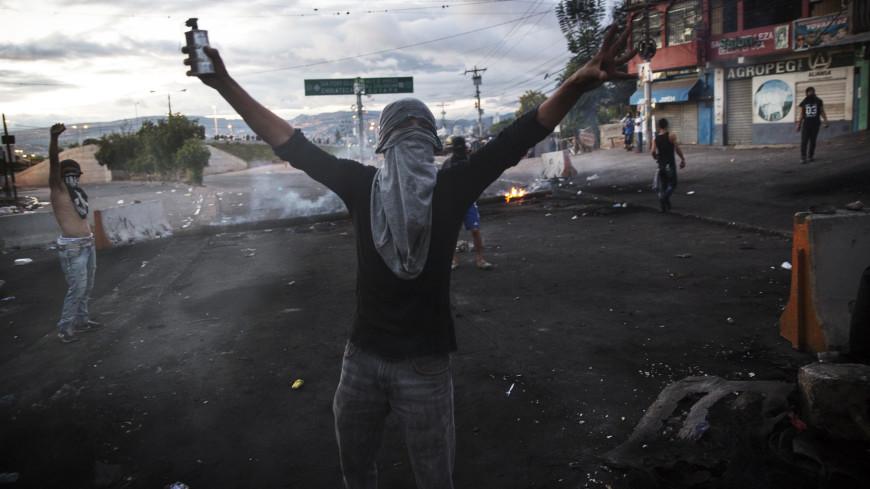 Беспорядки в Гондурасе: власти ввели комендантский час