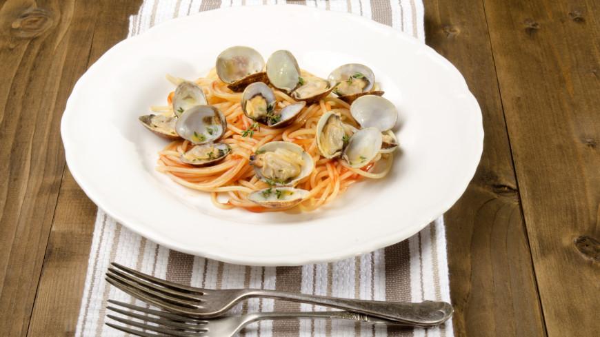 Гурман атаковал звонками службу спасения из-за моллюсков в ресторане