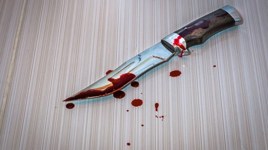 В Казани подросток с ножом напал на семью: отец и бабушка госпитализированы