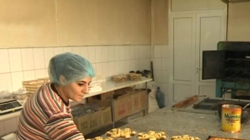 Восточные сладости: в Ереване запахло сирийской выпечкой