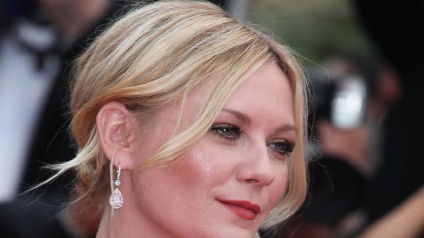 СМИ: Кирстен Данст помолвлена с актером Джесси Племонсом
