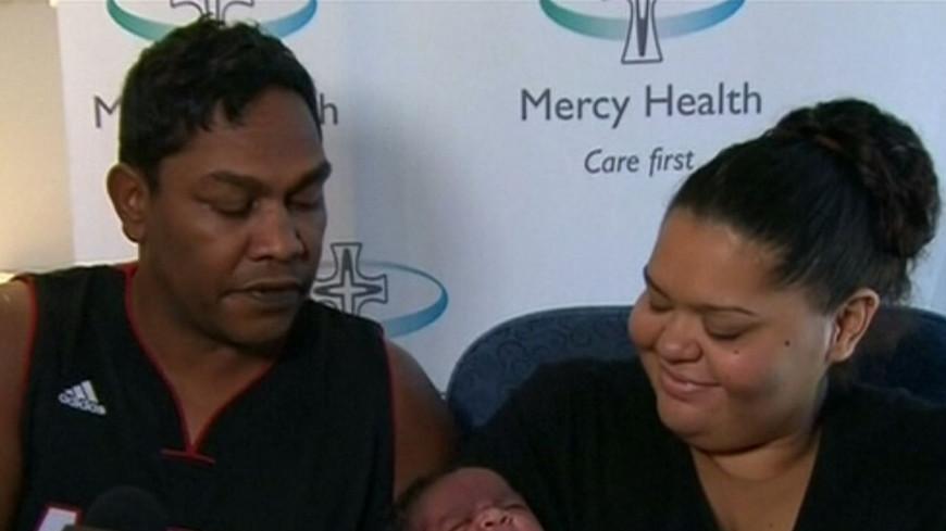 Шесть килограммов счастья: австралийка родила малыша-гиганта
