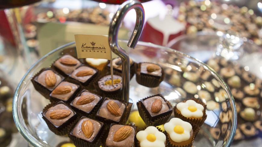 Смертельные конфеты: в Пакистане отравились 33 человека